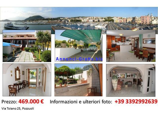 Villa a schiera Privata Centro Flegreo 3 Piani Arredata Euro 469.000 POZZUOLI