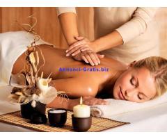 Eseguo massaggi relax e decontratturanti, estetici e sportivi