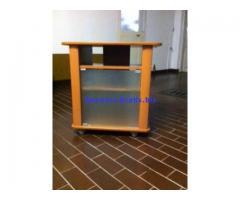 Mobile con ruote PORTA TV in legno robusto color ciliegio come nuovo