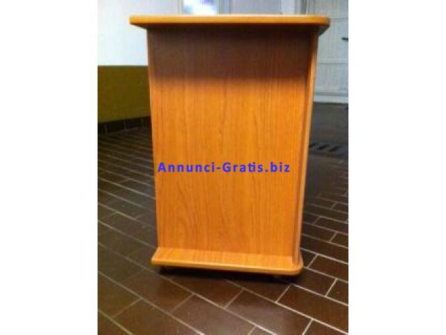 Mobile con ruote porta tv in legno robusto color ciliegio - Porta portese annunci di lavoro ...