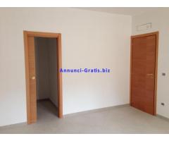 Appartamento 4 vani+acc+giardino+box+cantinola