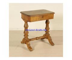 Antico tavolino da lavoro