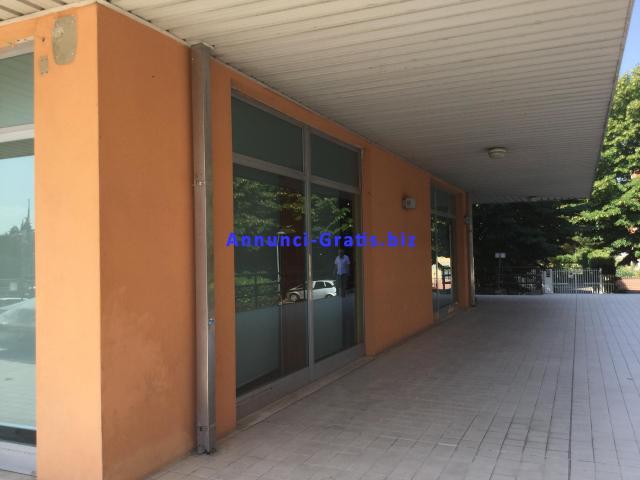Affitto negozio Fidenza 250 metri quadrati