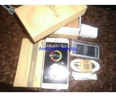 originali telefoni di Apple e Samsung